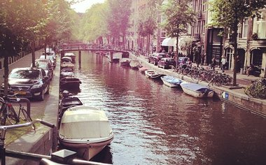 Art, History And Nightlife   Surrounded By Countless Canals And Beautiful Parks