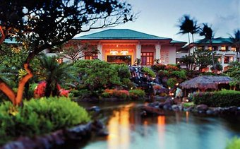 I would stay at: Grand Hyatt Kauai Resort