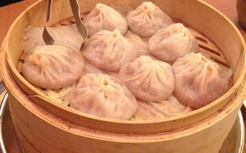 Xiao Long Bao stop at Joe's Shanghai 鹿鸣春