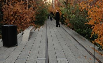 Late afternoon stroll on the highline
