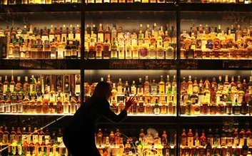 Learn about Whisky at the Scotch Whisky Experience