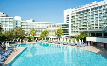 I would stay at: Swissôtel Grand Efes