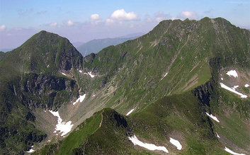 Trekking in Fagaras mountains tour