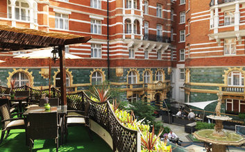 I would stay at: St James's Hotel