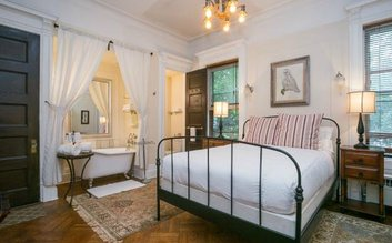 Lefferts Manor Bed & Breakfast